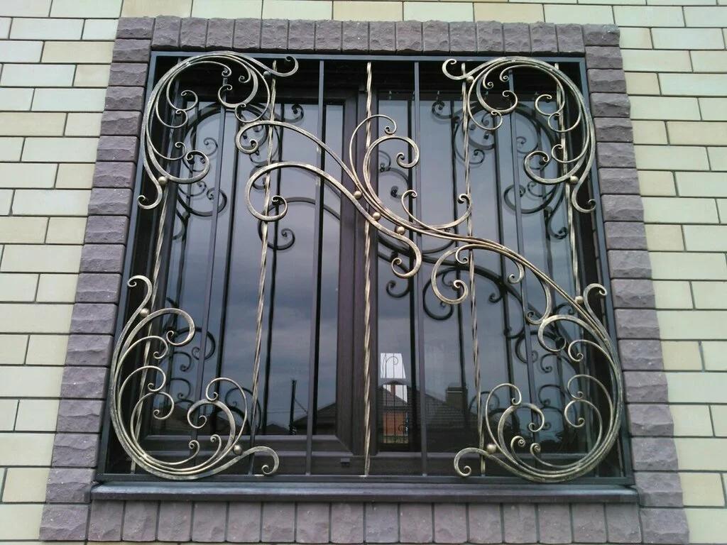 Кованая решетка на окно Р-010