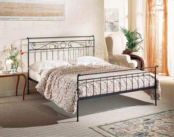 Кованая кровать К-010 для лофт-интерьера