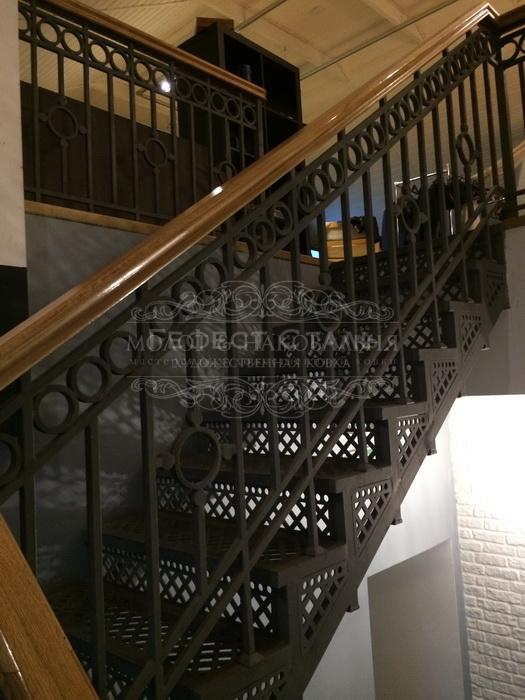 Кованая лестница К-010