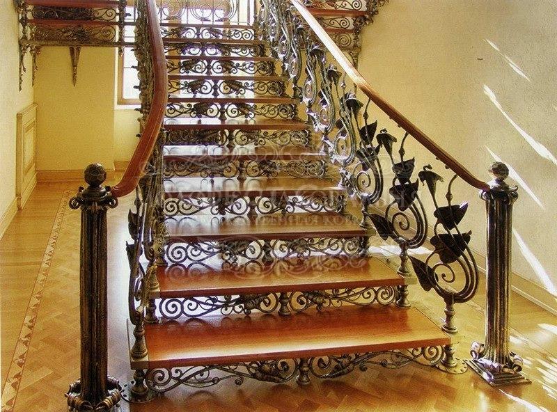 Кованая лестница К-009