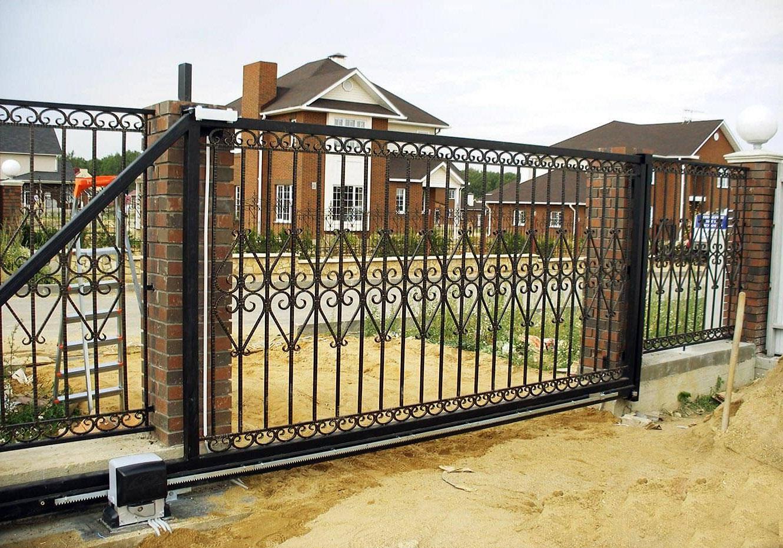 Кованые раздвижные ворота В-007