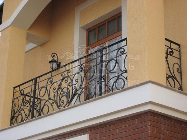 Кованый балкон КБ-003 для частного дома