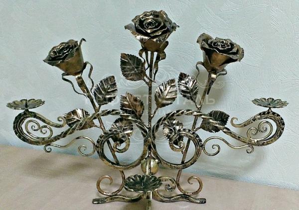 Кованый подсвечник П-004 с розами