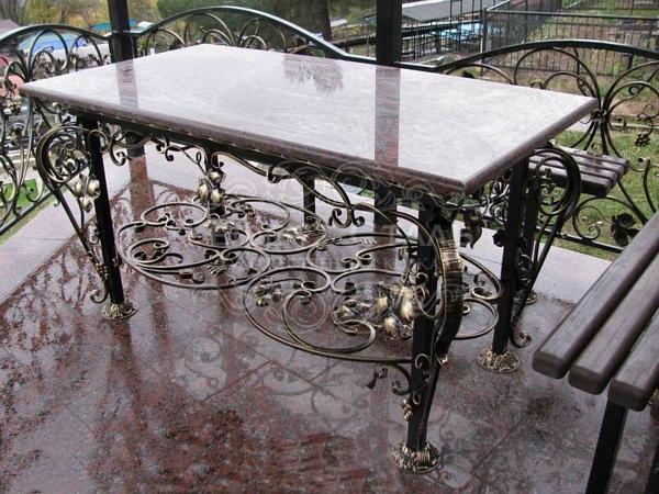 Кованый стол С-006 для сада